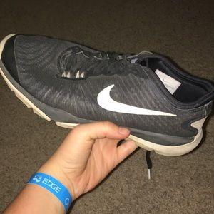 Black bike running shoes
